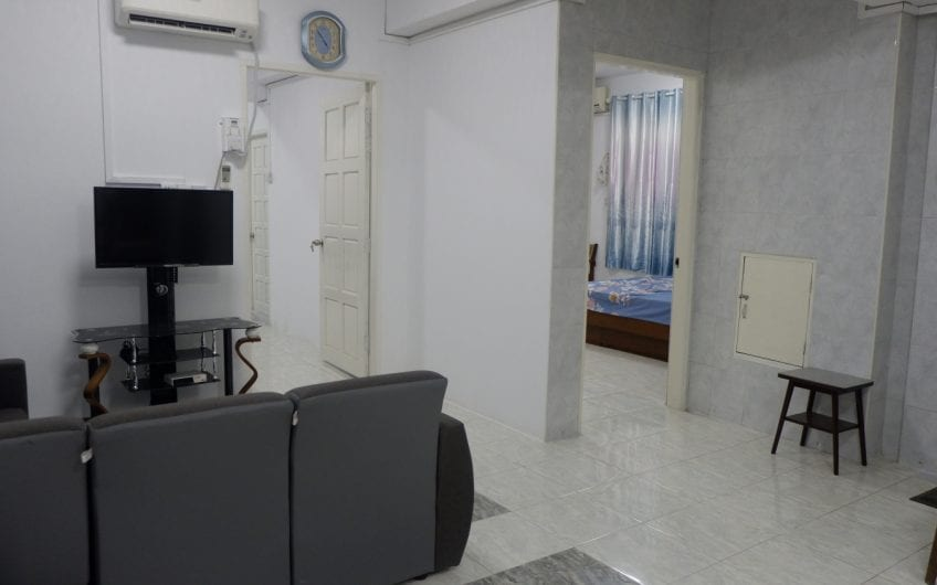 Three-Bedroom Condo in Bahan