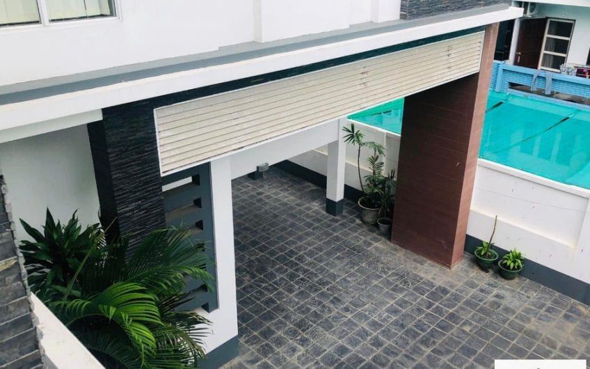 Four-Bedroom House in Bahan
